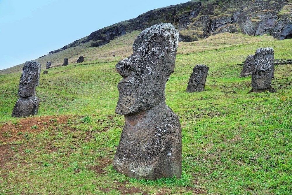 chile-easter-island-moai-rapa-nui.jpg
