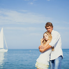 Wedding photographer Elena Plotnikova (CranberryArt). Photo of 14.08.2013