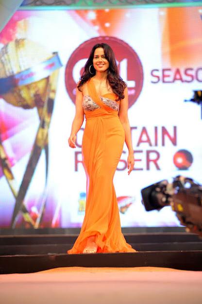 Sameera Reddy ramp walk, Sameera Reddy fashion show, Sameera Reddy hot figure, Sameera Reddy sexy dress