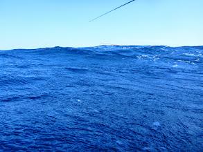 Photo: 時折、ビックリするぐらいの波も襲ってきます。