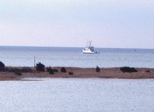 Photo: RV Hatteras leaving Beaufort for the last time.