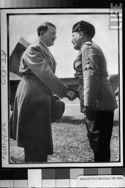 Photo: 1939年6月14日,意大利威尼斯,希特勒和墨索里尼的早期会面照片,6个月后希特勒成为第三帝国国家元首