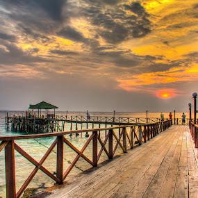 Sunset @ Panuba Inn , Pulau Tioman by Bryan Sin - Landscapes Sunsets & Sunrises