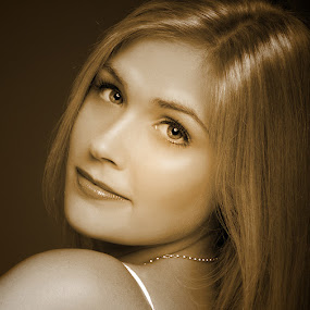 Beauty by Mino Taurus - People Portraits of Women ( studio, blonde, girl, woman, beautiful, beauty, young, portrait,  )