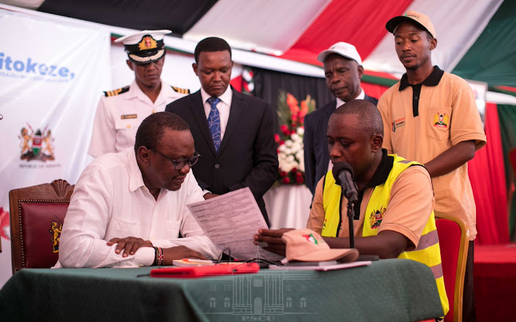 President Uhuru Kenyatta when he officially launched the Huduma Namba countrywide registration exercise in Machakos county on Tuesday, April 2, 2019.