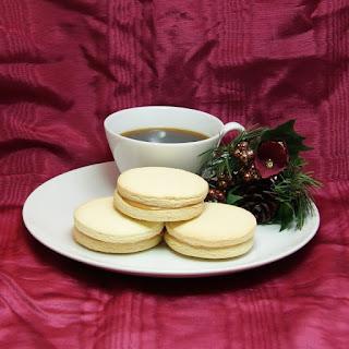 Alfajores (Latin American Dulce de Leche Cookies)