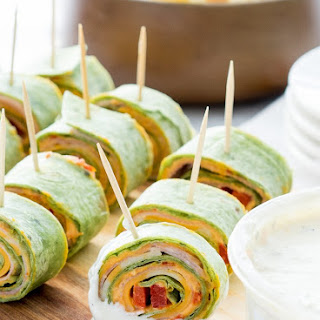 Roasted Red Pepper Hummus Pinwheels