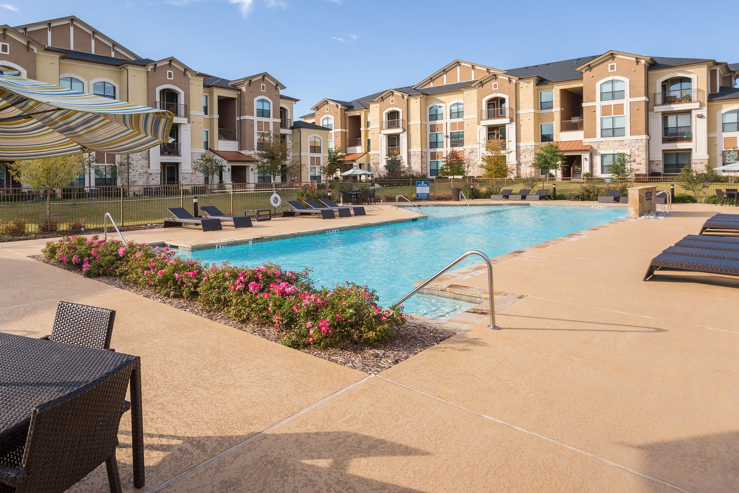 Summercrest Apartments For Rent in Burleson, Texas