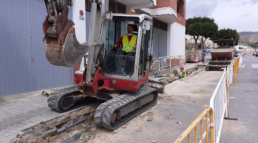 Pescadería, El Puche y Quemadero, en obras para mejorar el suministro eléctrico