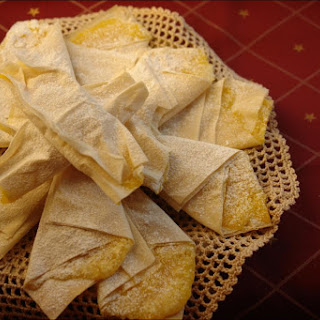 Phyllo Dough Stars with Egg Cream.