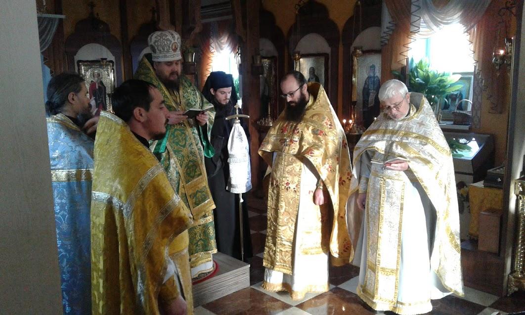 РПЦЗ: Кишинёвская епархия - епарахиальное собрание, награды духовенству и иноческий постриг (ФОТО)
