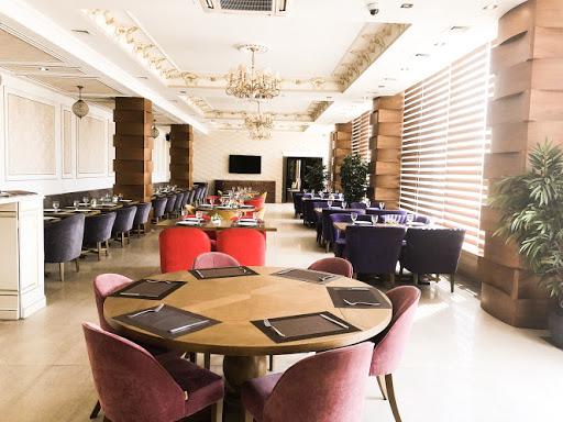 Основной зал в ресторане Ресторан Grand Hotel Palacio для свадьбы 2