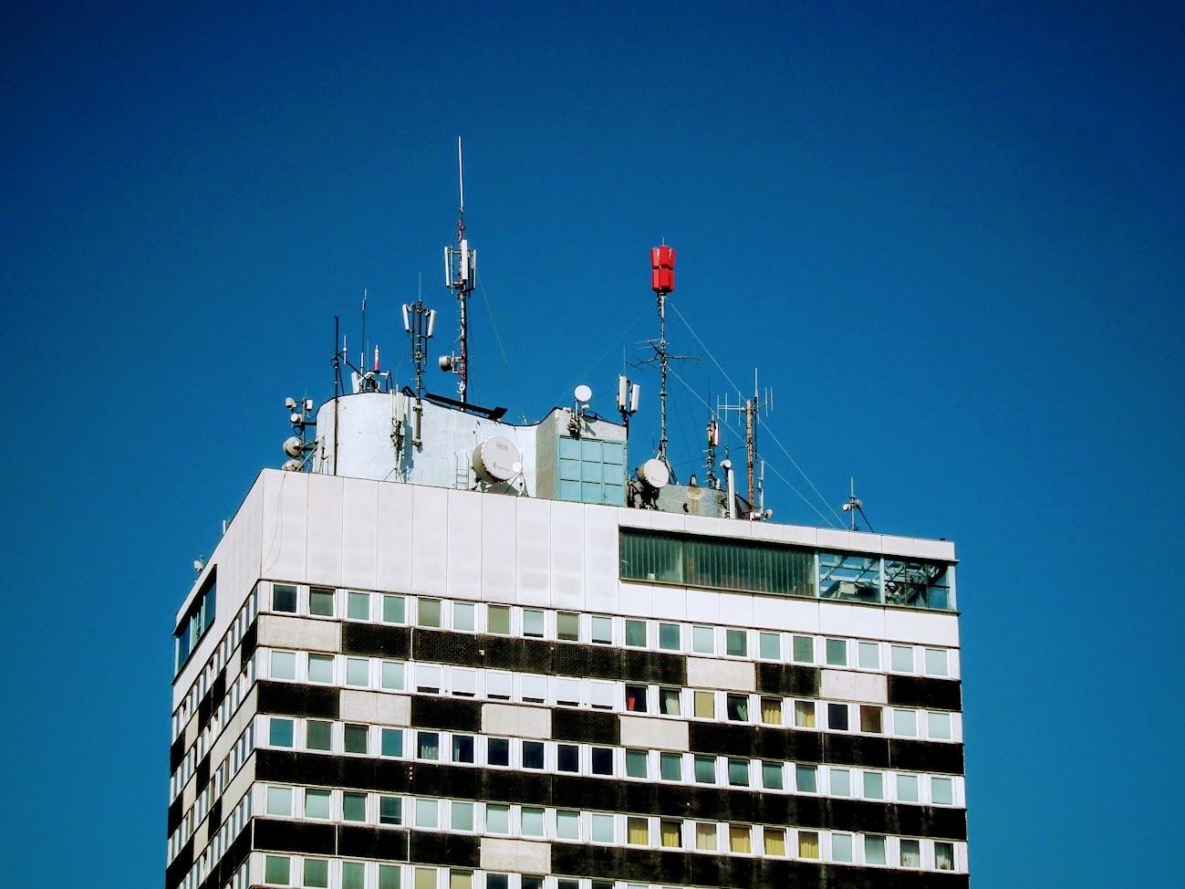 Veszprém/20 em. toronyház - DVB-T gapfiller+helyi URH-FM adóállomás