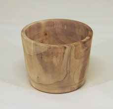 "Photo: Ellen Davis 3 1/4"" x 2 1/2"" cup [maple]"