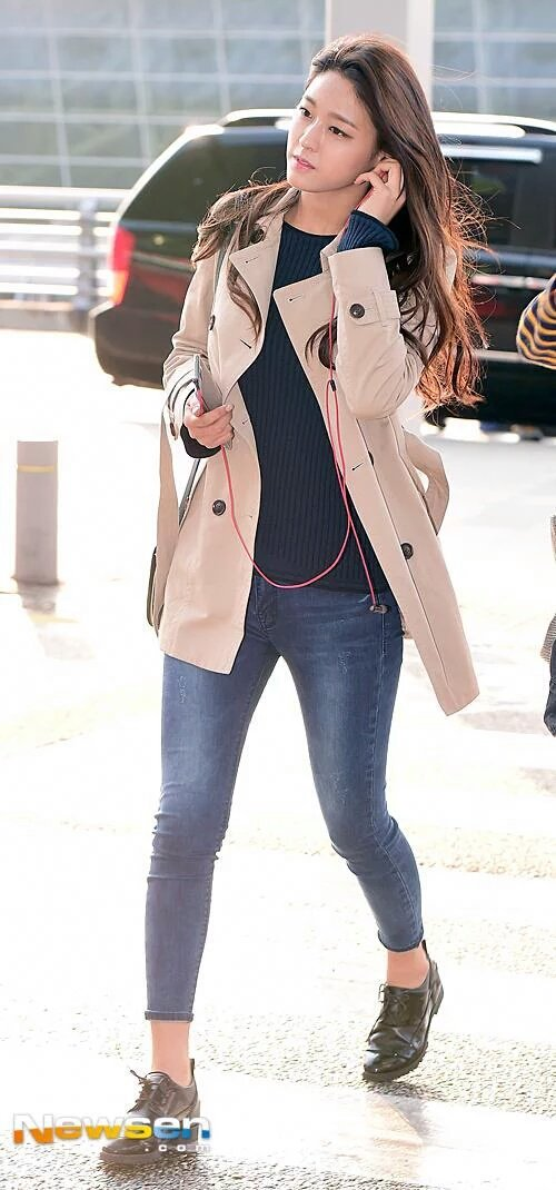 seolhyun jeans 33