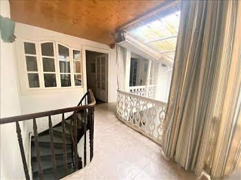 Maison 6 pièces 243 m2