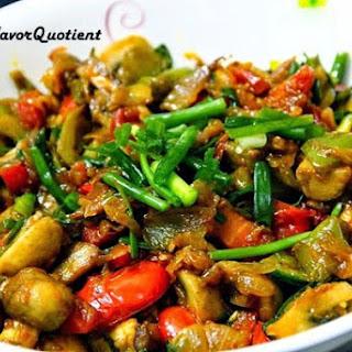 Stir-Fried Mushrooms with Vegetables