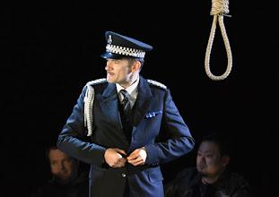 Photo: WIEN/ Theater an der Wien: DIE DREIGROSCHENOPER. Premiere am 13.1.2016. Inszenierung: Keith Warner. Markus Butter. Copyright: Barbara Zeininger