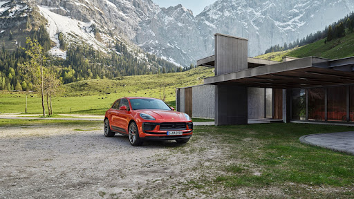 Porsche gave the Macan one last facelift before the all-electric Macan arrives