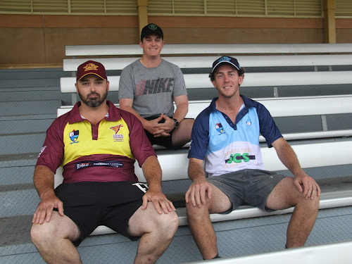 Country Thunder captain Mick Dowdell, Narrabri District Cricket Association president Brendon Ward and Town Heat captain Nick Smart.