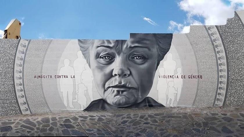 Mural en Almócita contra la violencia machista.