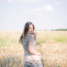 Wedding photographer Danya Belova (dwight). Photo of 10.01.2017