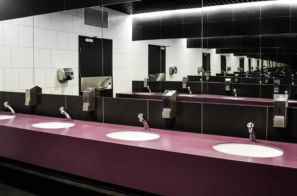 public bathroom pixabay