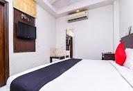 Capital O 1245 Hotel Amby Inn photo 10