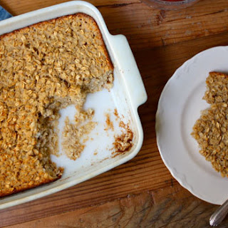 Baked Vanilla Oatmeal with Nutmeg