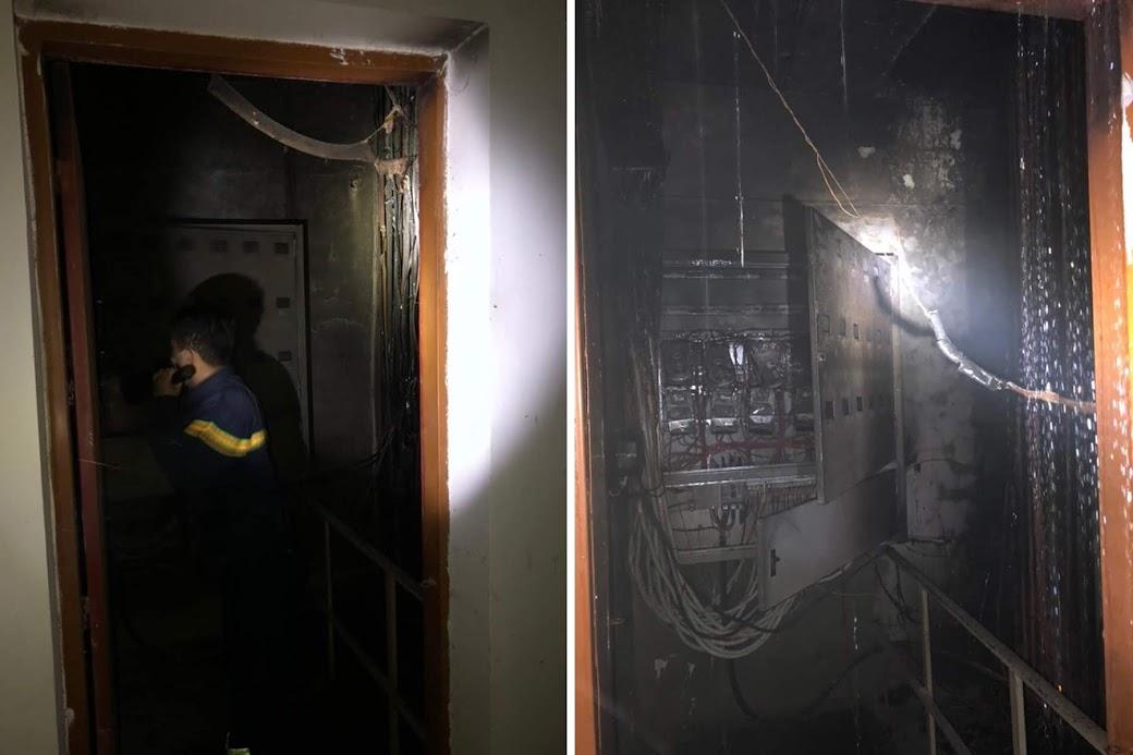 Lực lượng chữa cháy chuyên nghiệp tiếp cận các phòng kỹ thuật bị cháy