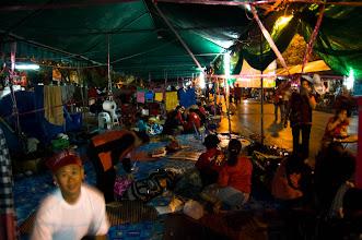 Photo: namioty obozu czerwonych koszul przy pomniku demokracji
