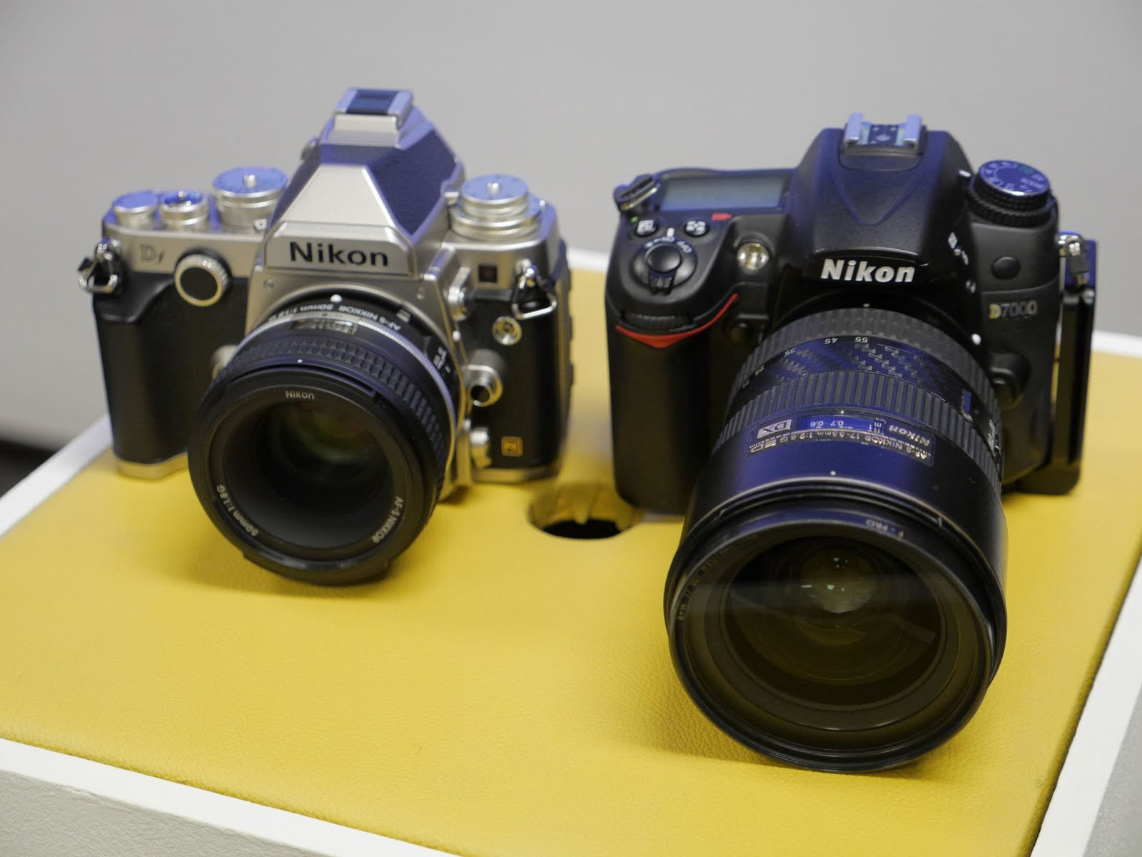 Nikon Df next to Nikon D7000
