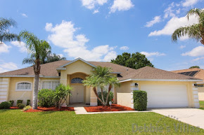 Orlando villa, close to Disney theme parks, gated community, west-facing pool and spa, games room
