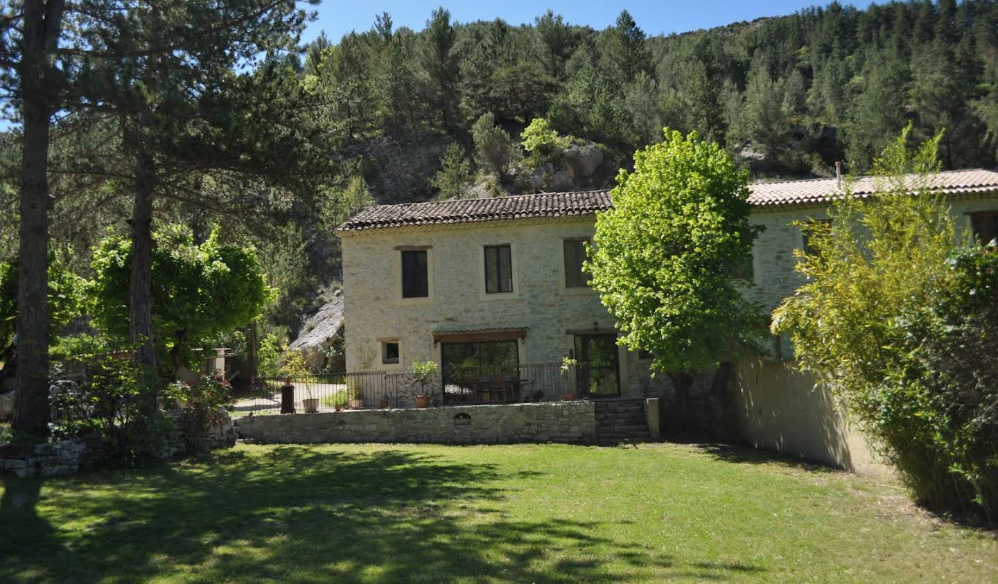 Farm house with pool Buis-les-Baronnies