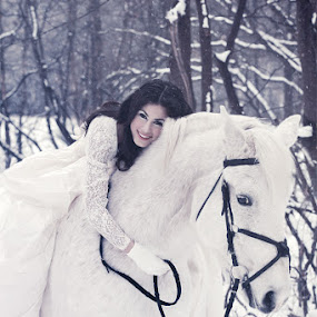 Snow fairytale by Azzeria Photography - People Portraits of Women ( dreamy, model, horse, santa claus, beauty, photography, eyes, love, azzeria, girl, happy, snow, curls, dark, pink, smile, hair, fairytale, chin, hugging, beautiful, white, snowflakes, loving, snowing, female, wedding, dress, fotograaf, stunning, assen )
