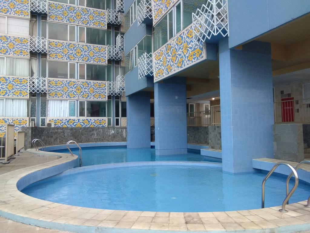 Saladin Mansion swimming pool view