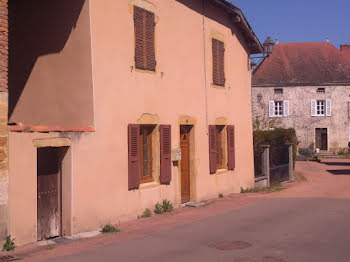 maison à La Bénisson-Dieu (42)