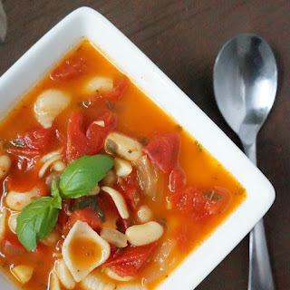 Fresh Tomato White Bean Soup