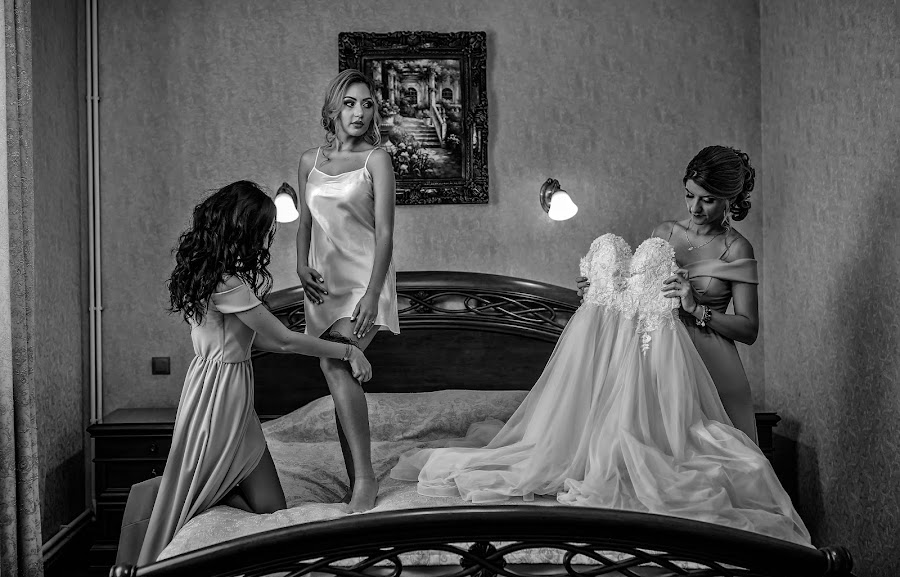 Wedding photographer Alexandru Vîlceanu (alexandruvilcea). Photo of 07.04.2019