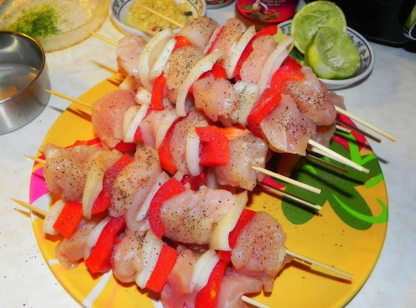 Skewer the chicken, pepper and onion one after another on your wooden skewer. Repeat...