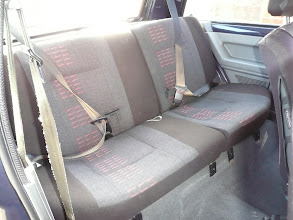 Photo: Fitting the Renault 5 GT Turbo rear lower seats