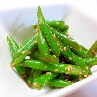 Easy and Useful! Frozen Green Beans Dressed with Sesame Sauce
