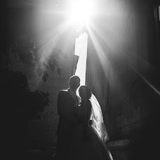 Wedding photographer Valentin Koshutin (sector7). Photo of 14.09.2014