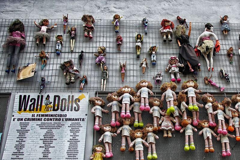 Bambole che fanno riflettere... di DMax