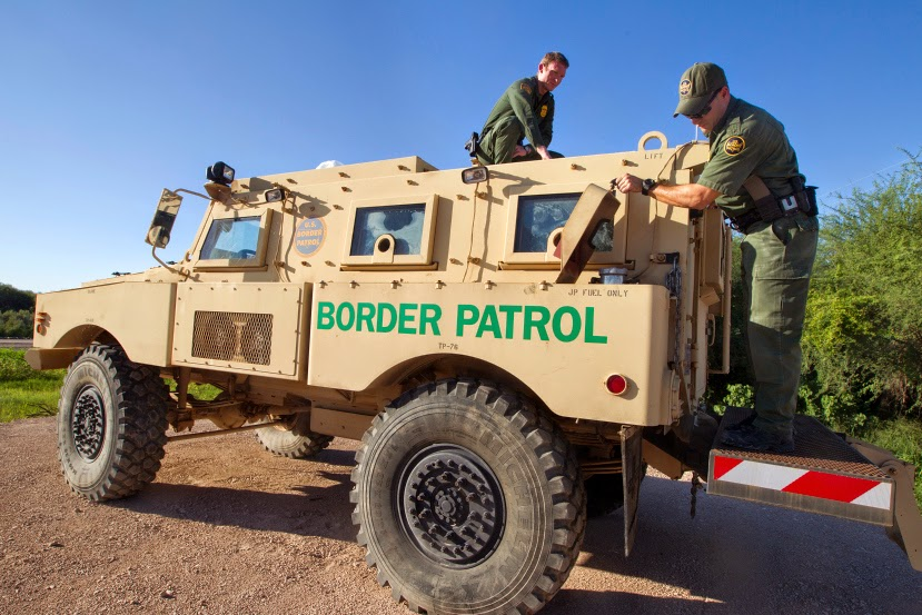 Trump to militarize U.S./Mexico border as GOP wavers on deal with Dems