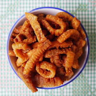 How To Make Pork Crackling And Lard - Kiep Moo + Narm Mun Moo