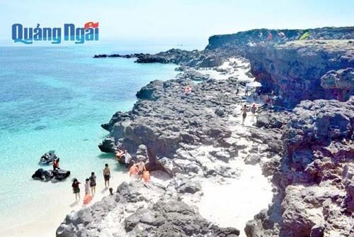 Du lịch Quảng Ngãi dồn sức cho biển đảo