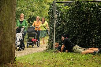 Photo: De dames kunnen dan ook hartelijk lachen want ze ontsnappen ongedeerd :-)