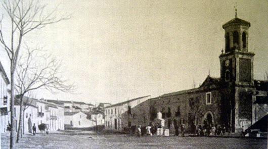 La torre de la antigua iglesia demolida volverá a presidir la Plaza de La Loma