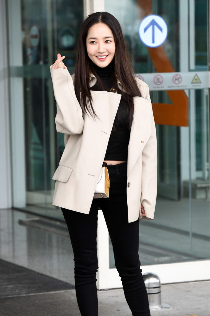 200219-Park-Min-young-Fashion-Incheon-Airport-1-683x1024